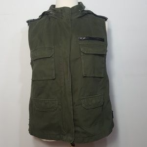 UP BDG Army Green Hooded Vest Medium